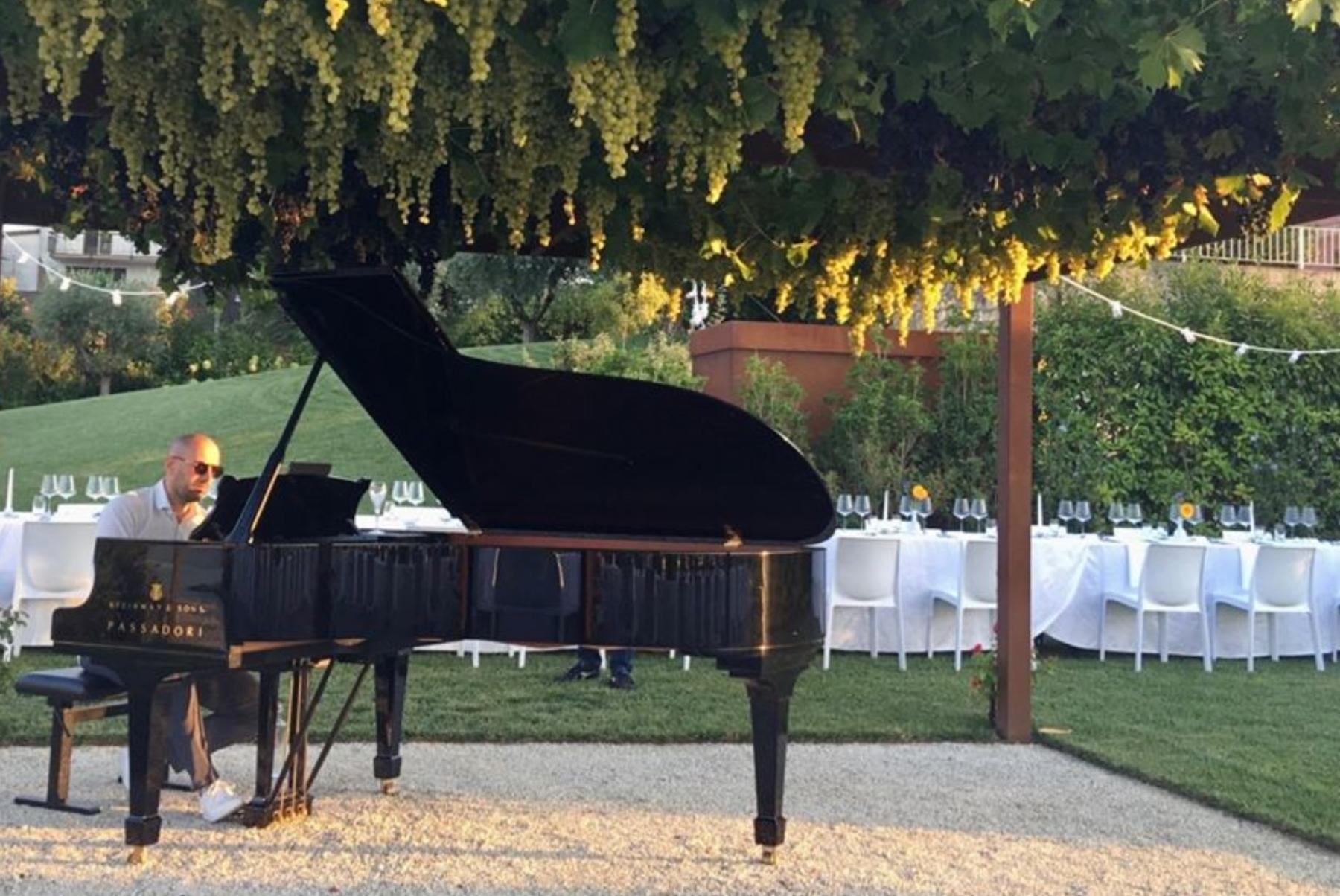 Pianista durante cena